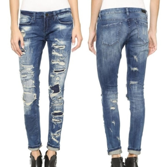 BLANK NYC SKINNY CLASSIQUE Barefoot & Busted Jeans